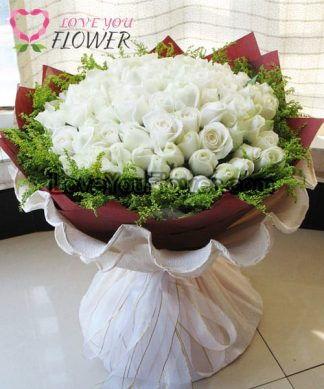 ช่อดอกไม้ Theophilia ดอกกุหลาบขาว ดอกสุ่ย