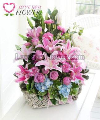 กระเช้าดอกไม้ Onaona ดอกกุหลาบ ดอกลิลลี่
