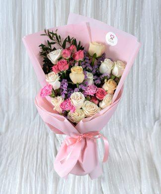 ช่อดอกกุหลาบสีชมพู