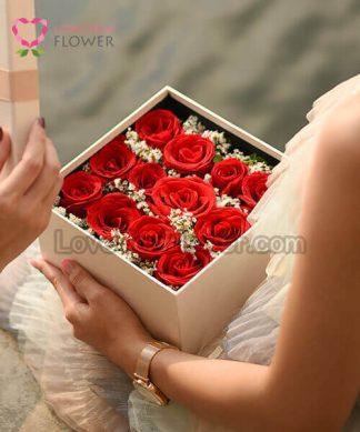 "Valentine ""ส่งความรัก"""