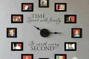 นาฬิกาแขวนแทนความรัก