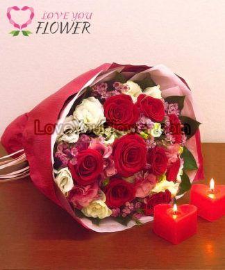ช่อดอกไม้ Farrah ดอกกุหลาบแดง ดอกไลเซนทัสขาว