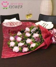 ช่อดอกไม้ Grania ดอกกุหลาบชมพู ดอกผีเสื้อ