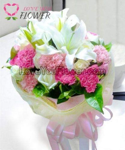 ช่อดอกไม้ Darlene ดอกลิลลี่ขาว ดอกกุหลาบขาว