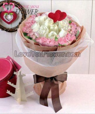 ช่อดอกไม้ Jolie ดอกกุหลาบขาว ดอกคาร์เนชั่นชมพู