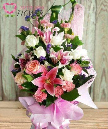ช่อดอกไม้ Calithea ดอกลิลลี่ชมพู ดอกกุหลาบขาว