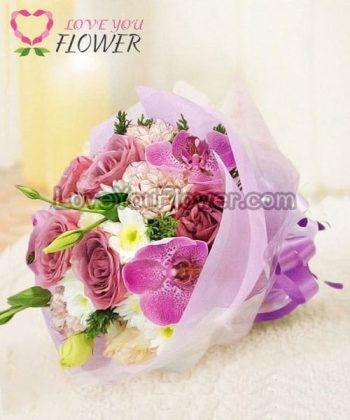 ช่อดอกไม้ Doreen ดอกกุหลาบม่วง ดอกคาร์เนชั่น
