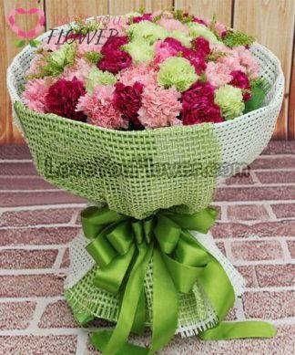 ช่อดอกไม้ Pallava ดอกคาร์เนชั่นชมพู คาร์เนชั่นเขียว