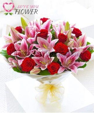 ช่อดอกไม้ Andrayah ดอกกุหลาบแดง ดอกลิลลี่ชมพู