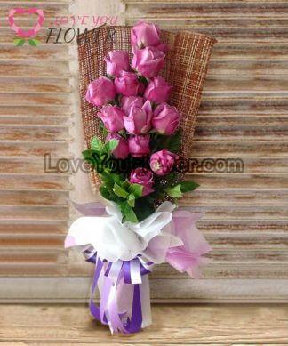 ช่อดอกไม้ Aiglentine ดอกกุหลาบม่วง