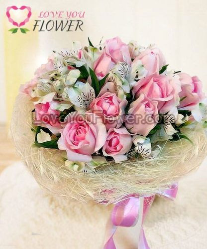 ช่อดอกไม้ Vanille ดอกกุหลาบชมพู ดอกอัลสโตรมีเรียขาว