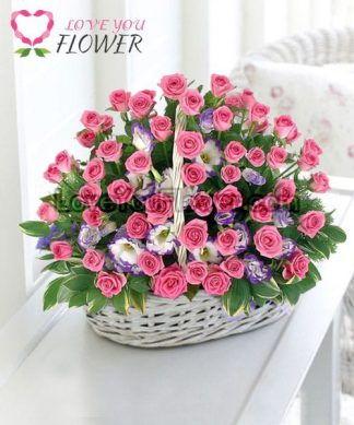 กระเช้าดอกไม้ Rosalinda ดอกกุหลาบชมพู ดอกไลเซนทัส