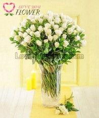 แจกันดอกไม้ Whitne ดอกกุหลาบขาว