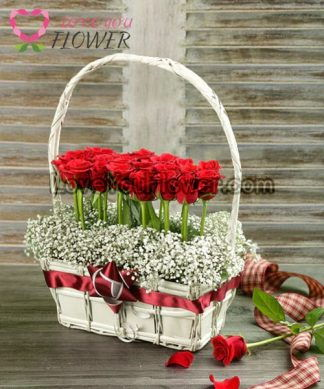 กระเช้าดอกไม้ Rodia ดอกกุหลาบแดง ดอกยิปโซ