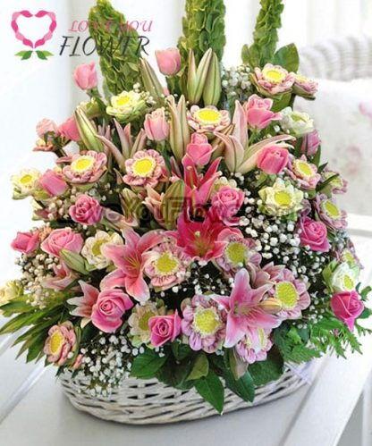 กระเช้าดอกไม้ Olimpia ดอกบัว ดอกกุหลาบ