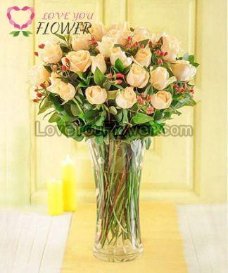 แจกันดอกไม้ Dawn ดอกกุหลาบสีครีม