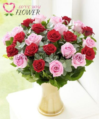 แจกันดอกไม้ Rosella ดอกกุหลาบแดง ดอกกุหลาบชมพู