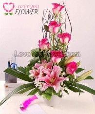 แจกันดอกไม้ Femi ดอกกุหลาบชมพู ดอกลิลลี่ชมพู