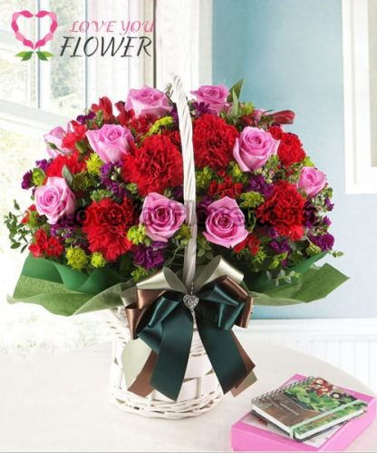 กระเช้าดอกไม้ Redell ดอกกุหลาบ ดอกคาร์เนชั่น