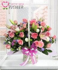 กระเช้าดอกไม้ Candy ดอกกุหลาบ ดอกลิลลี่