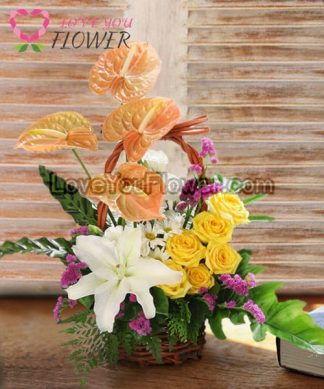 กระเช้าดอกไม้ Suma ดอกกุหลาบ ดอกหน้าวัว