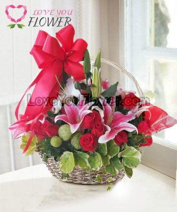 กระเช้าดอกไม้ Susie ดอกกุหลาบ ดอกลิลลี่