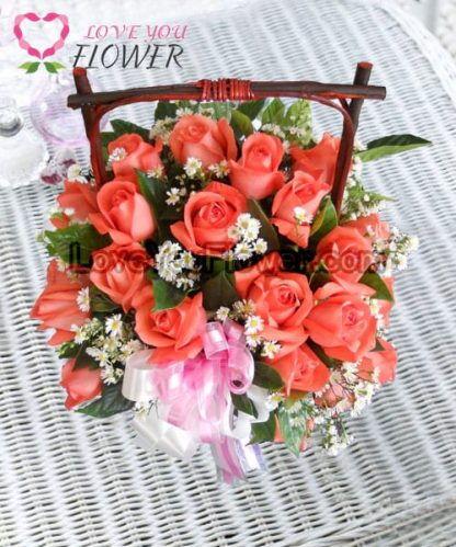 กระเช้าดอกไม้ Scirocco ดอกกุหลาบ ดอกคัดเตอร์