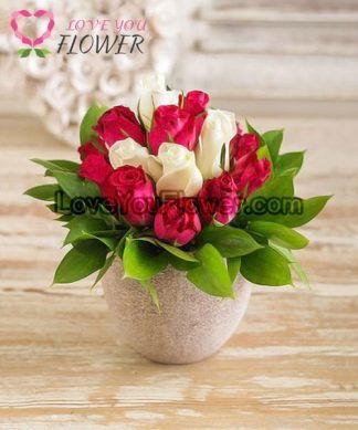 แจกันดอกไม้ Bassma ดอกกุหลาบแดง ดอกกุหลาบขาว