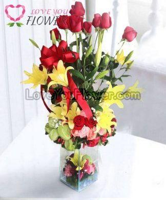 แจกันดอกไม้ Victoria ดอกกุหลาบ ดอกลิลลี่