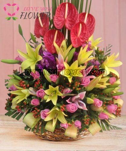 กระเช้าดอกไม้ Amaranta ดอกกุหลาบ ดอกลิลลี่