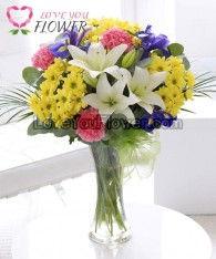 แจกันดอกไม้ Laticia ดอกลิลลี่ ดอกคาร์เนชั่น