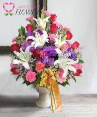 แจกันดอกไม้ Laurelei ดอกลิลลี่ ดอกกุหลาบ