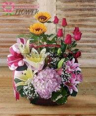 กระเช้าดอกไม้ Ugolina ดอกทานตะวัน ดอกลิลลี่เหลือง