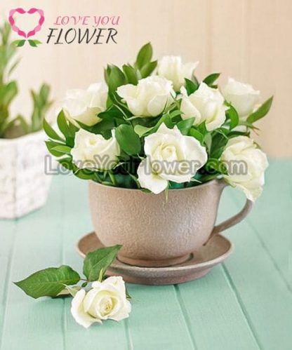 แจกันดอกไม้ Pavana ดอกกุหลาบขาว