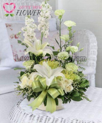 แจกันดอกไม้ Phyllis ดอกกุหลาบ ดอกลิลลี่