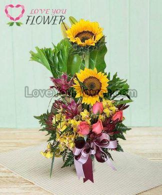 แจกันดอกไม้ Peridot ดอกทานตะวัน ดอกกุหลาบ