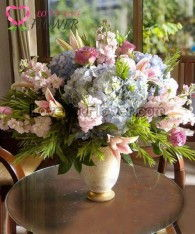 แจกันดอกไม้ Dalienne ดอกลิลลี่ ดอกไฮเดรนเยีย