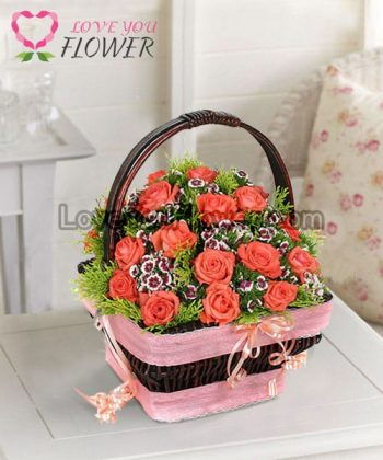 กระเช้าดอกไม้ Milina ดอกกุหลาบส้ม ดอกผีเสื้อ