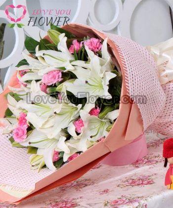 ช่อดอกไม้ Adina ดอกลิลลี่ ดอกคาร์เนชั้น