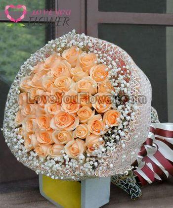 ช่อดอกไม้ Orla ดอกกุหลาบขาวครีม