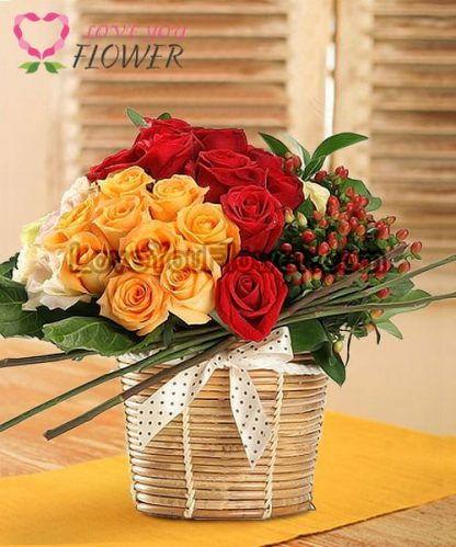 กระเช้าดอกไม้ Enid ดอกกุหลาบส้ม ดอกกุหลาบแดง