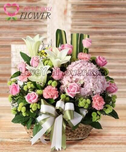 กระเช้าดอกไม้ Dulcinea ดอกกุลาบชมพู ลิลลี่ขาว