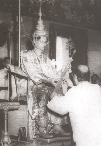 King_Bhumibol_coronation_2