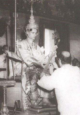 King_Bhumibol_coronation_2