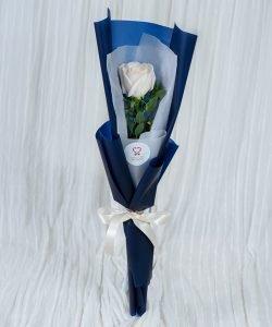 ช่อดอกกุหลาบสีขาว จัดแบบ 1