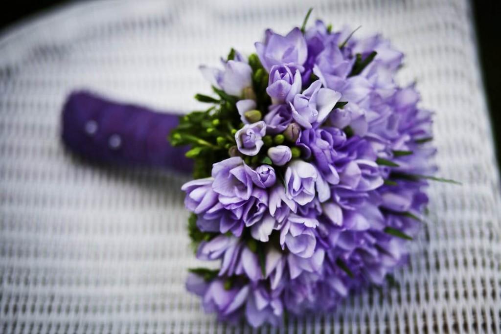 ช่อดอกไม้โทนสีม่วง สื่อถึงการเปลี่ยนแปลงที่สำคัญในชีวิต