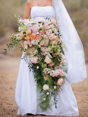 ช่อดอกไม้ทรงน้ำตก (Cascade)