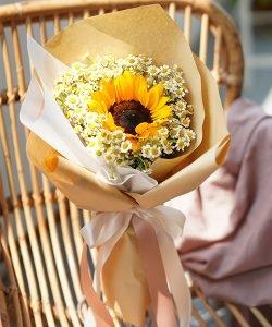 ช่อดอกไม้สไตล์มินิมอล ไซส์เล็ก จัดด้วยทานตะวันดอกเดียว