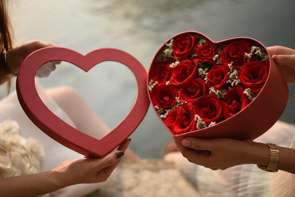 จัดส่งดอกไม้ถึงสาวคนรักอย่างว่องไว