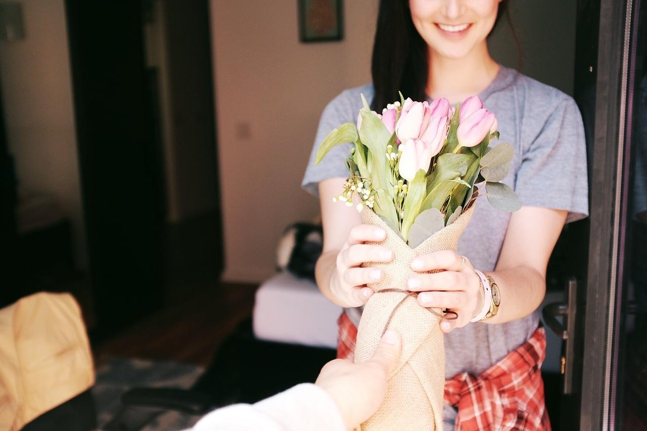 ดอกไม้สวยแด่ผู้รับ